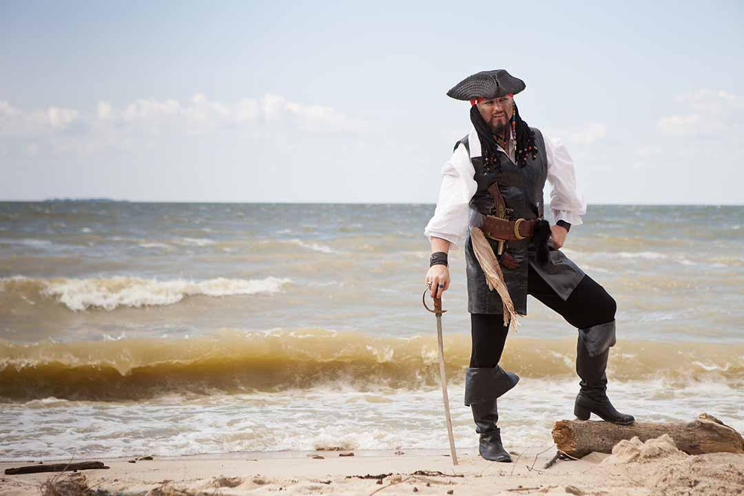 pirate sur la plage